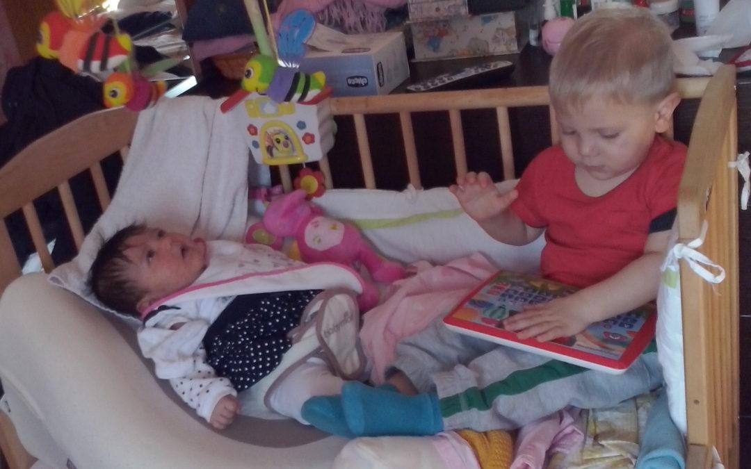 Aiuto: due bambini nel lettone.